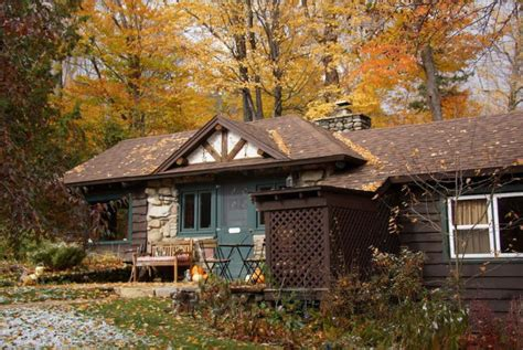 best airbnbs in the us these airbnbs in trending us cities provide views of fall