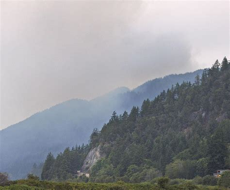 Wildfire On The Skagit wildfire grows on chuckanut mountain news goskagit