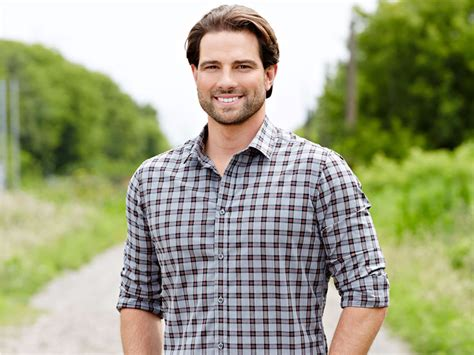 scott mcgillivray hgtv s scott mcgillivray should i buy a rental property