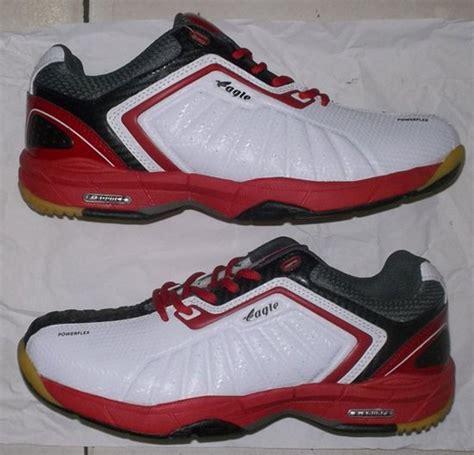 Sepatu Bulutangkis Eagle toko jual sepatu bulutangkis badminton original berkualitas tinggi eagle