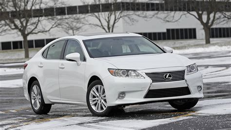 difference between es and gs lexus what is the difference between the 2014 and 2015 lexus
