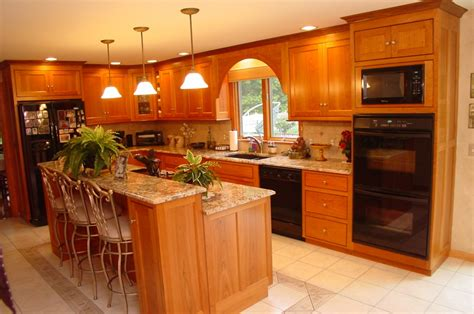 cherry oak cabinets kitchen 28 cherry oak kitchen cabinets dkbc cherry shaker
