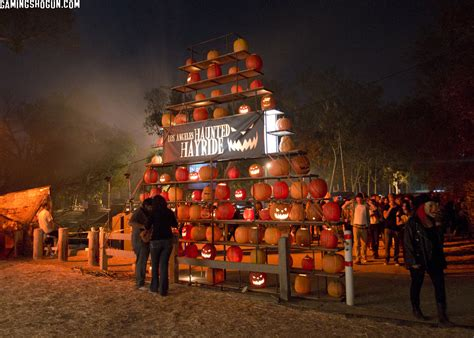 halloween themed events los angeles the los angeles haunted hayride 2014 black carpet event