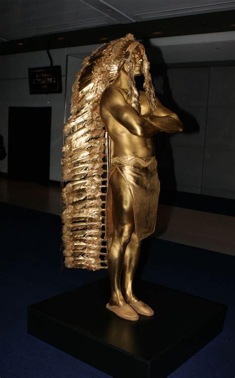 Bodypainting Gold and Glitter Models   Bodyartist