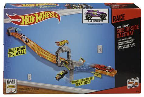HOT WHEELS® WALL TRACKS® Side By Side Raceway   Shop Hot