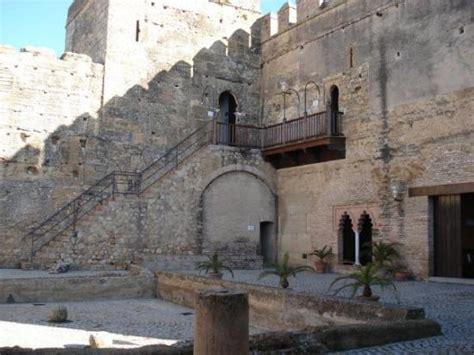 voli interni spagna l interno della fortezza di carmona the fortress inside