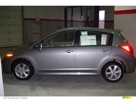 grey nissan versa 2010 magnetic gray metallic nissan versa 1 8 sl hatchback