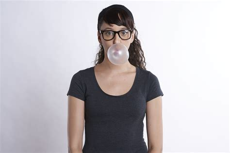 Sigler Used To Walk Gum Calories by Did You Chewing Gum While Walking Increases Calorie Burn