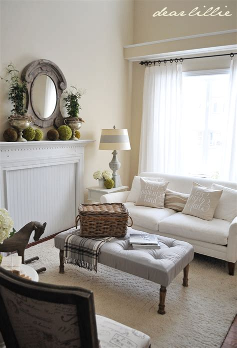 cream color paint living room dear lillie living room color is similar to benjamin moore cream fleece paint colors