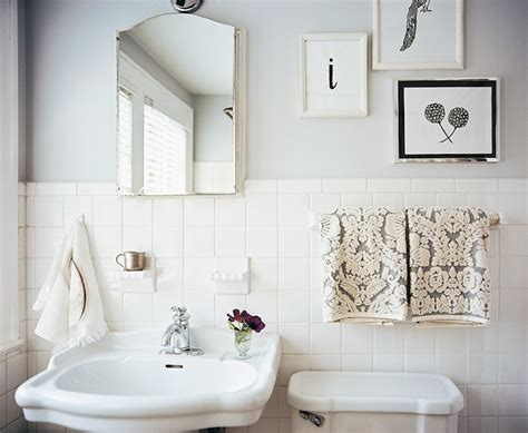 Classic White Bathroom Design And Ideas Beautiful Vintage Bathroom Design With Soft Gray Walls Paint Color White Pedestal Sink White