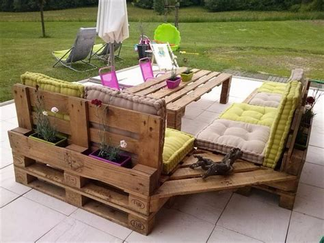 Couches Made From Pallets by Outdoor Furniture From Pallet Wood Pallet Wood Projects