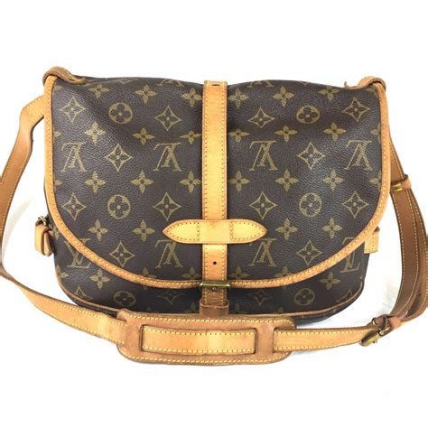 louis vuitton monogram saumur  crossbody bag pretty