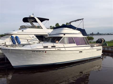 bayliner explorer boats bayliner 3270 explorer big water boat broker boats for