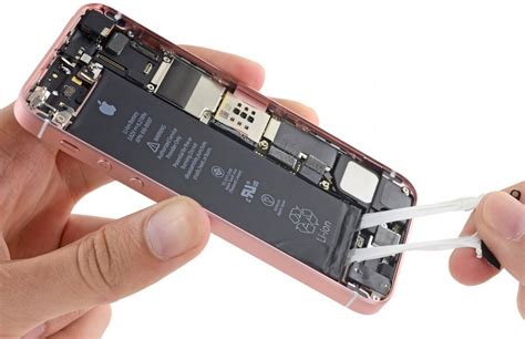 ram waterproofing iphone se vs iphone 5s ifixit finds bigger battery more