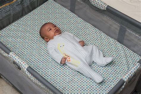 sleeps on back how to reduce the risk of sids 7 things you need to baby sleep