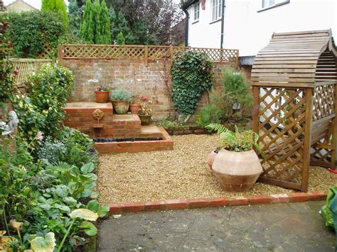 Small Backyard Design Ideas On A Budget : Lovable Backyard