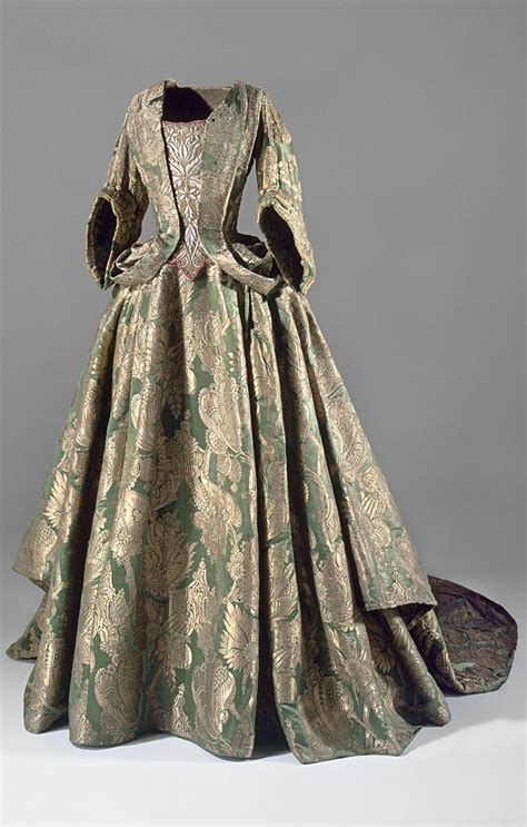 alte kleidung green silk dress with ca 1740 1720 1750 rococo