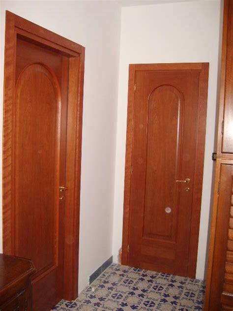 porte interne ciliegio porte interne con pannello arcato in ciliegio infix
