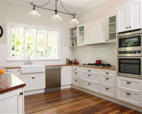 Shaker Style Kitchen Cabinets Manufacturers by Shaker Style Kitchen With White Cabinet Home Design