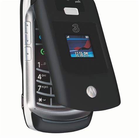 Samsung Flip Phone Tech Digest Samsung Flip Phones Whatsapp Revoke And An Nes Comeback Metro Newspaper Uk