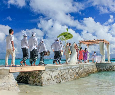 Hochzeit Malediven by Weddings In Maldives Renewal Of Vows At Kurumba Maldives