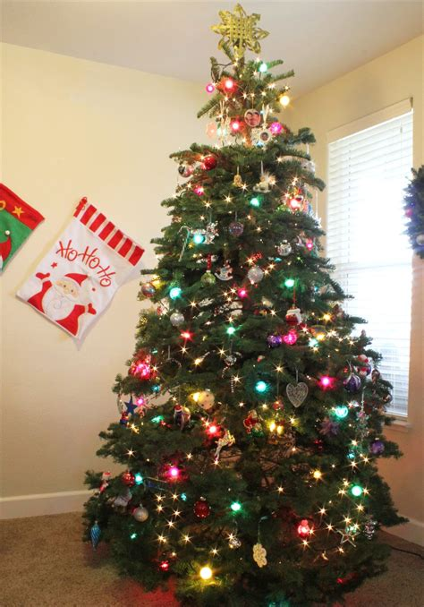 christmas tree lights decorating ideas christmas tree decorations ideas and tips to decorate it