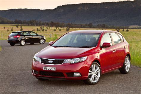 2010 Kia Cerato Review 2010 Kia Cerato Hatchback Drive