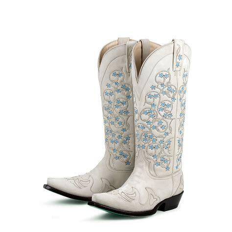 Stiefel Hochzeit ideas boots boots tangled vines wedding