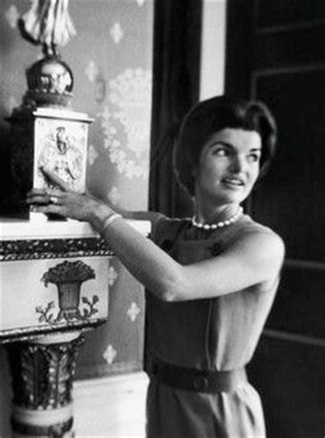 jackie kennedy white house restoration jackie kennedy decorating the white house jackie lee pinterest the white fabric