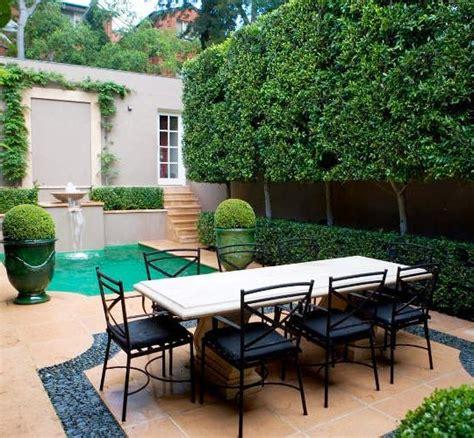 decoraci 243 n de patios interiores sillones puff