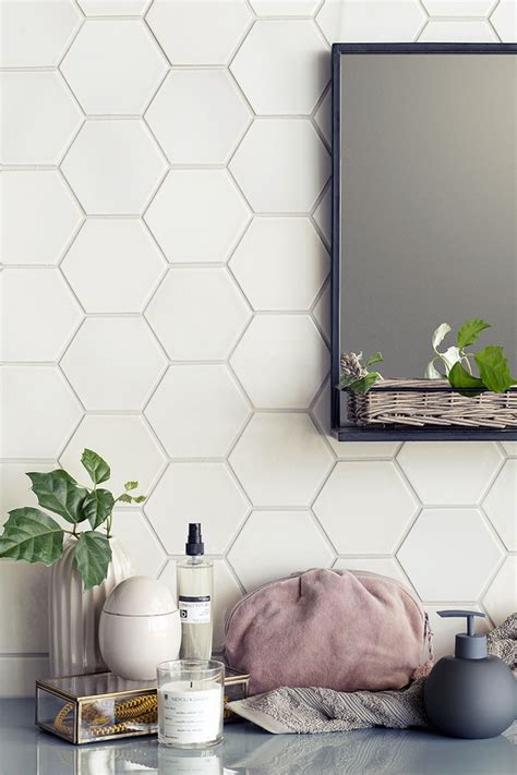 White Hexagon Tile Bathroom by Best 25 Hexagon Tile Bathroom Ideas On