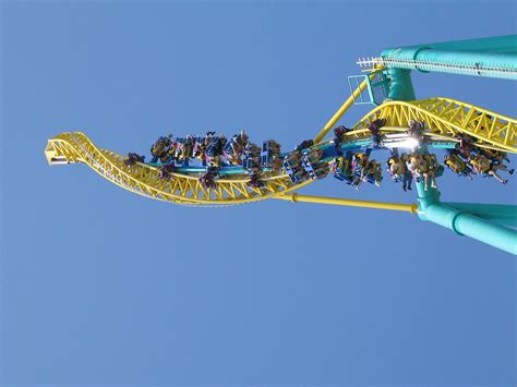 Cedar Point Wicked Twister 12122 Photograph By Dc
