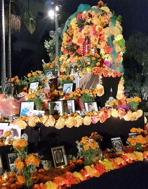 traditions of dia de los muertos craft in america d 237 a de los muertos tradition and