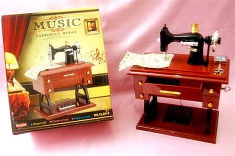 grosir china barang unik kotak musik best gift mesin