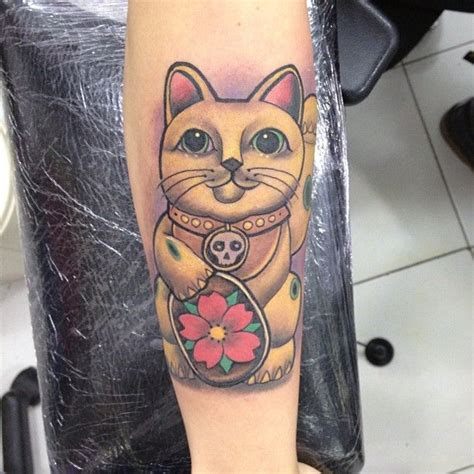lucky 38 tattoos 32 best luck cat images on ideas