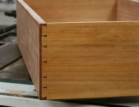 Drawer Dovetails by Discussionat Wood Central