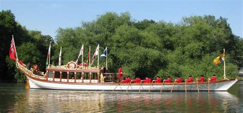 thames river flow rate gloriana and the royal watermen crew gloriana the queen