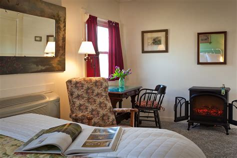 hocking hills bed and breakfast inn spa at cedar falls hocking hills bed and breakfasts