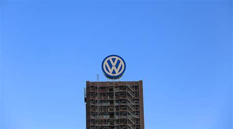 volkswagen  invest  million create  jobs  tennessee plant transport topics