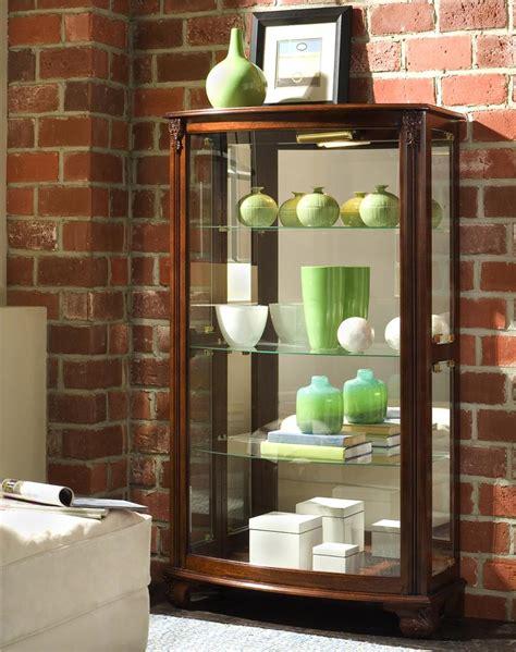 Olinde S Furniture by Pulaski Furniture Curios Gallery Mantel Curio Olinde S