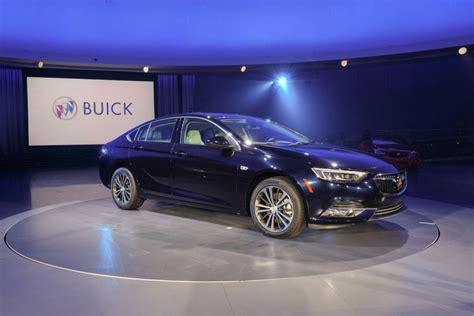 buick regal sedan 2018 buick regal sportback sedan gm authority