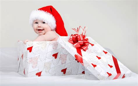 christmas baby gift box wallpapers 1680x1050 385699