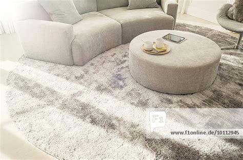 teppich rund groß wohnzimmer farbe grau