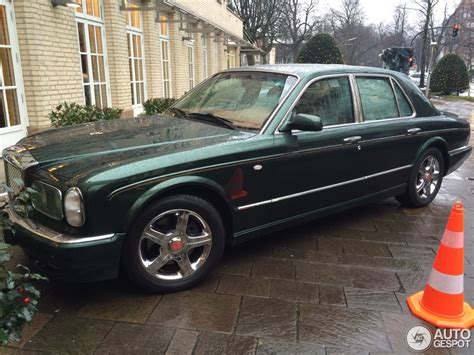bentley red 2016 bentley arnage red label 16 april 2016 autogespot