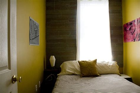 how to furnish a small bedroom decorating a small bedroom how to decorate a really
