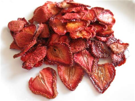 how to dehydrate strawberries in an oven