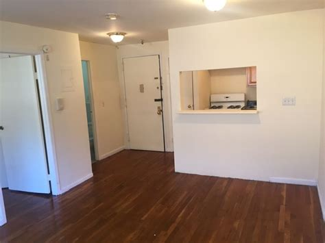 Nyc One Bedroom Apartments by Nyc Apartments To Rent For 1 500 Am New York