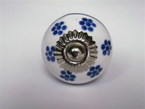 Painting Drawer Pulls by Ceramic Painted Door Knobs Handles Drawer Pulls Blue White Patterned Ebay