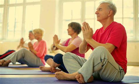 imagenes de yoga para tercera edad ejercicios para la tercera edad infoancianos