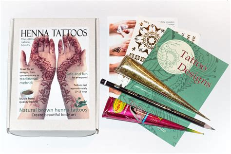 henna tattoo gold amazon henna gift set mehndi kit gold glitter many